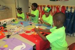 kids-doing-crafts-2